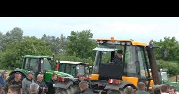 2020 Svilaj - Takmičenje prevlačenje traktora preko crte-4 kate.