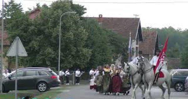 2021 V.Kopanica - POVORKA KUD-a  ULICAMA SELA